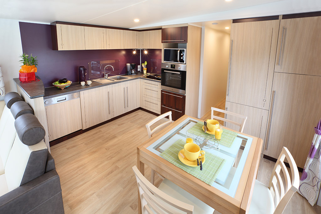 Nautilhome 12 7 mhp loisirs for Cuisine fonctionnelle